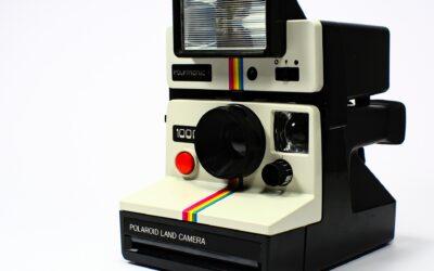Polaroidkameraet hjælper dig med at indfange øjebliksbilleder i et mageløst format