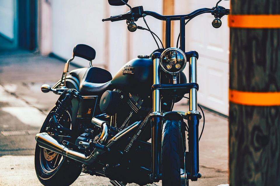 Motorcykel i by