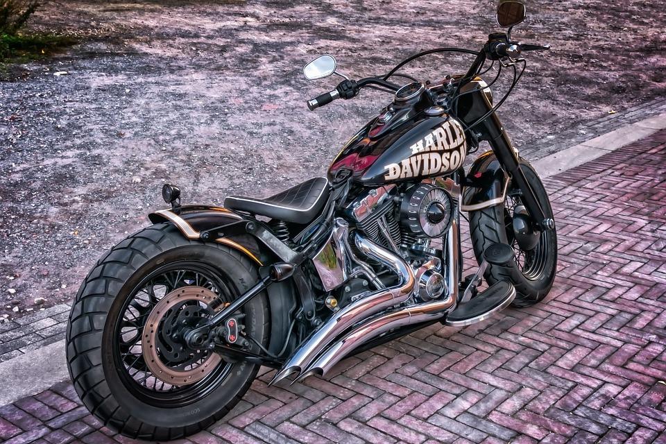 Udstødning på motorcykel